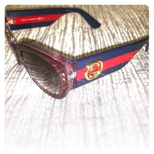 Gucci sunglasses! Like New! Case & bag included.